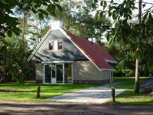 aanzicht recreactie villa voor aanvang met plat dak