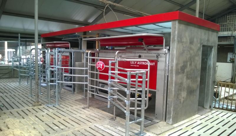 stallenbouw melkstal aanpassen koeienstal lely melkrobot OVerijssel Flevoland