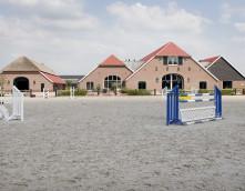Stallenbouw Exel Lemele: driehoekhoeve stegeren manege stoeterij paardenhouderij